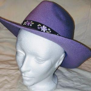 Gymboree Girls Purple hat sz 5-7 EUC